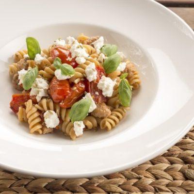 Pasta mit Ricotta & Tomaten