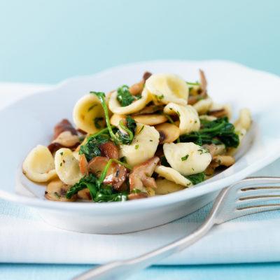 Orecchiette mit Pilzen und Spinat